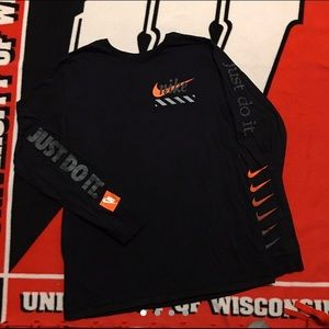 Nike Swoosh Long Sleeve (XL)